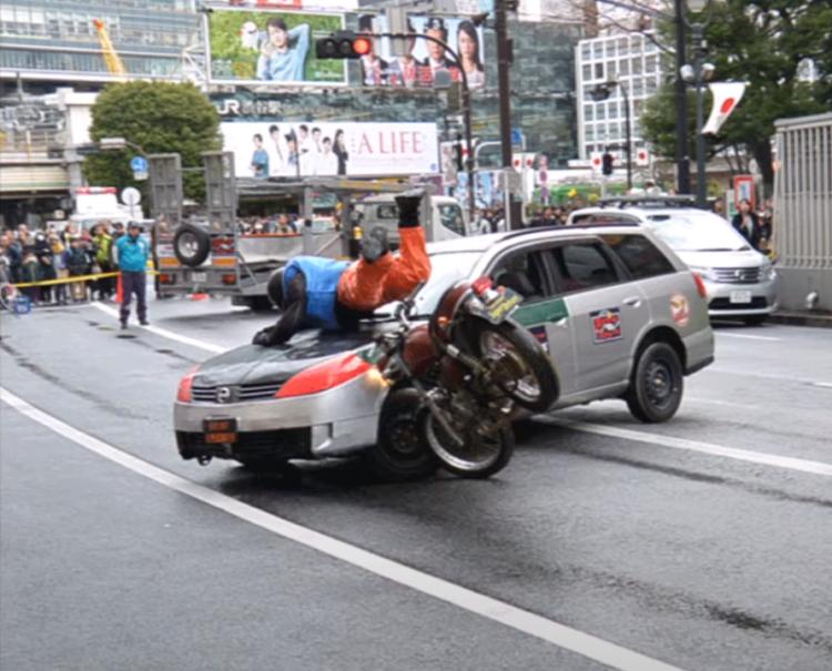 バイク単独事故、原因